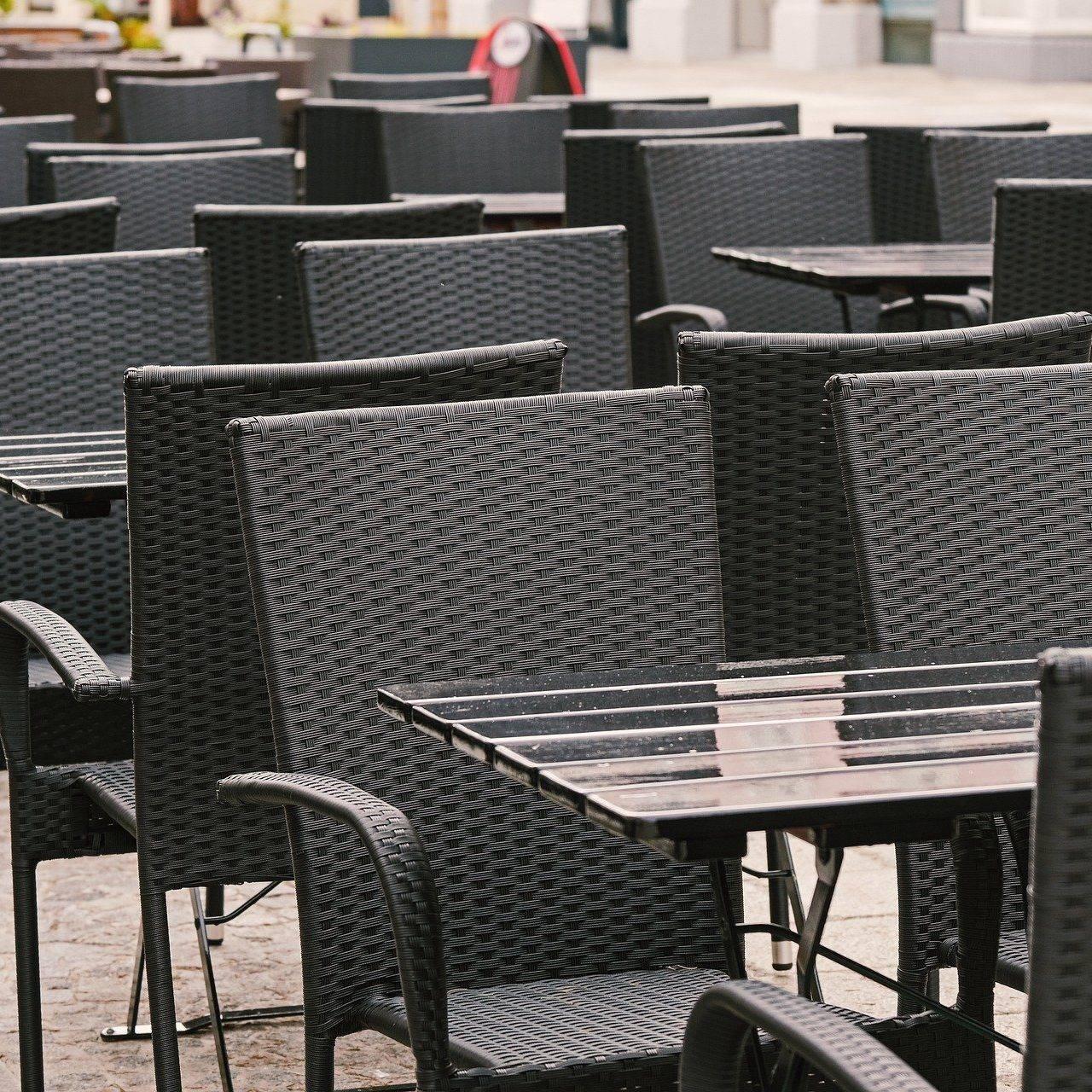Tische leer - Corona Novemberhilfe